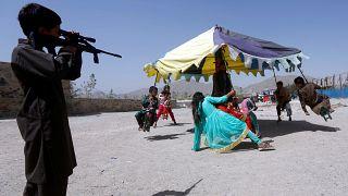پلیس غزنی: جلوی قاچاق ۲۵ کودک برای آموزش انتحاری گرفته شد