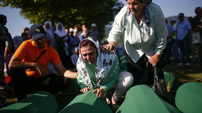 A srebrenicai mészárlásra emlékeznek