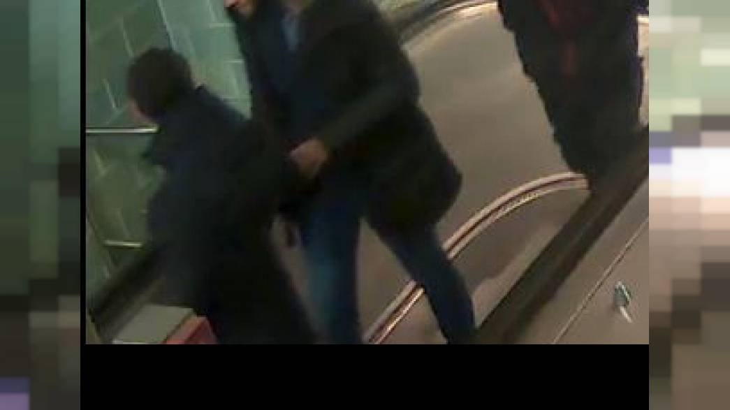 Erschreckende Bilder: Berliner Polizei sucht 3 neue U-Bahn-Angreifer