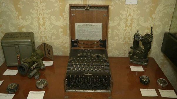 """L'Enigma nazista """"mascherata"""" da macchina da scrivere"""
