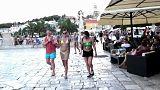 600 euros de multa por ir en bañador por la calle en Croacia