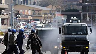 Zimbabwe : la police réprime brutalement une manifestation d'opposants