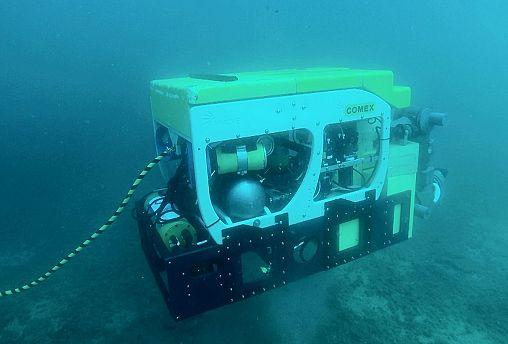 Robôs autónomos em águas profundas