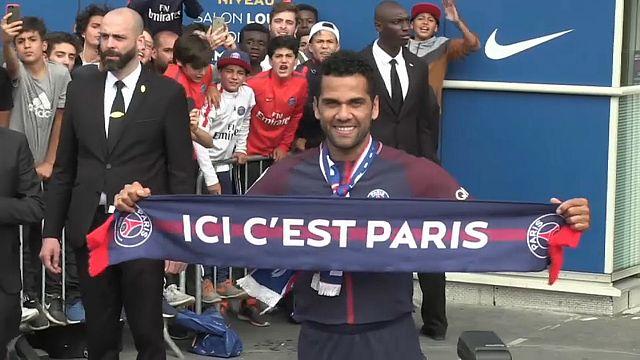 Daniel Alves est Parisien