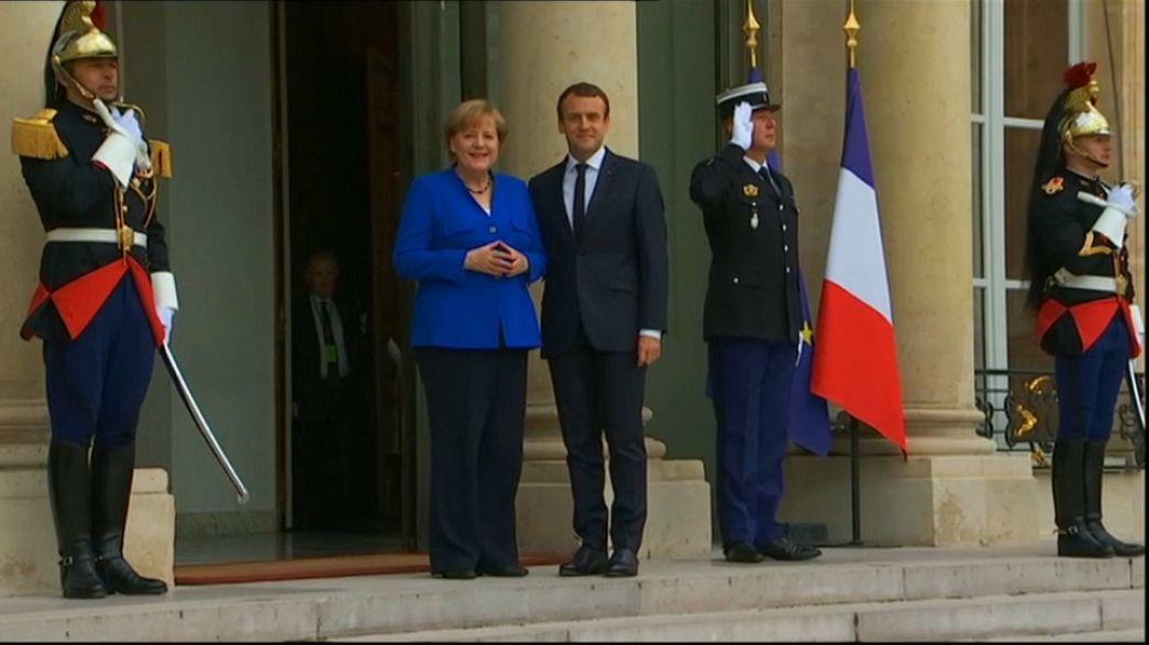Merkel e Macron debatem questões europeias
