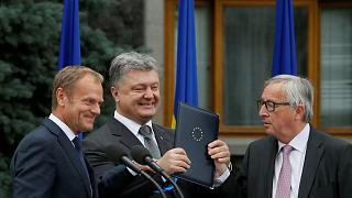 EU and Ukraine celebrate closer ties in Kiev
