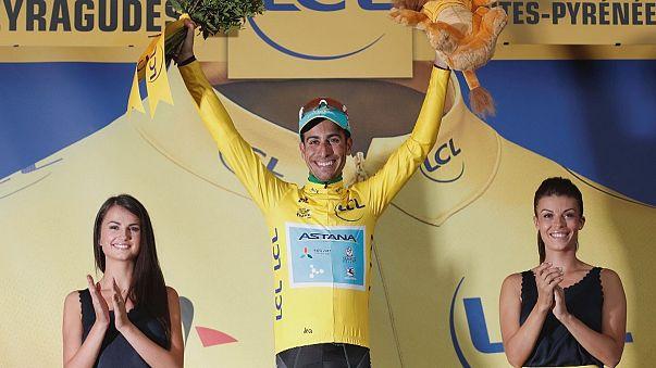 Fabio Aru veste de amarelo no Tour