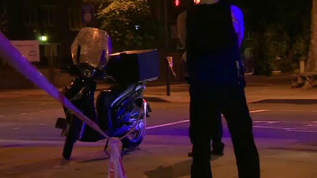 Londra, attacchi con l'acido: arrestato adolescente