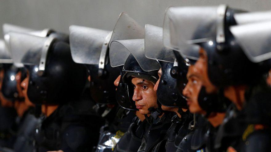 مقتل خمسة عناصر شرطة مصريين في كمين جنوب القاهرة