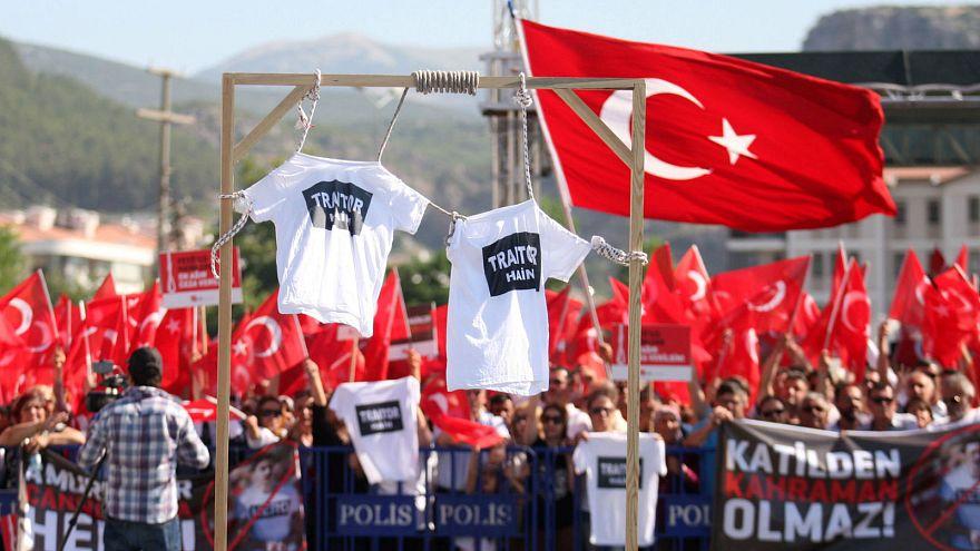 Militares turcos exilados na Bélgica recordam golpe de Estado falhado