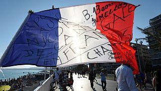 """Niza: Macron promete una """"lucha sin cuartel"""" contra el terrorismo"""