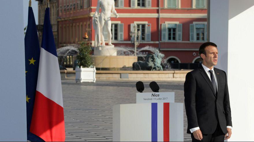 L'omaggio alle vittime dell'attentato di Nizza