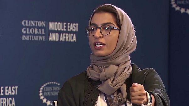 وزيرة إماراتية تفتح النارعلى قناة الجزيرة