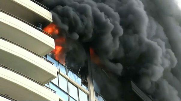 Hawaii'de 36 katlı binada yangın
