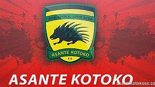 Ghana - Brassards rouge et noir pour le deuil de l'Asante Kotoko