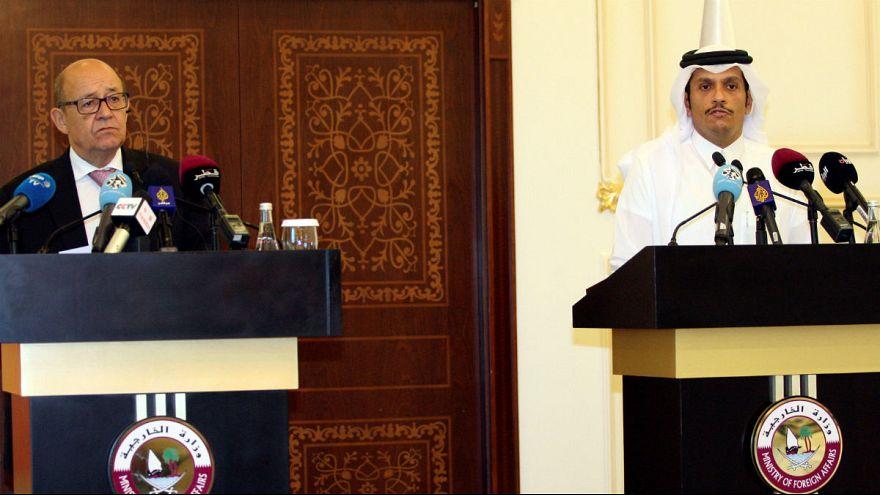 فرانسه خواستار لغو تحریم های وضع شده علیه اتباع قطری شد