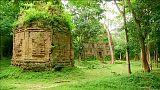 Kamboçya'nın tapınakları ziyaretçi akınına uğruyor