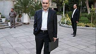 إيران: شقيق الرئيس روحاني معتقل بتهمة فساد مالي