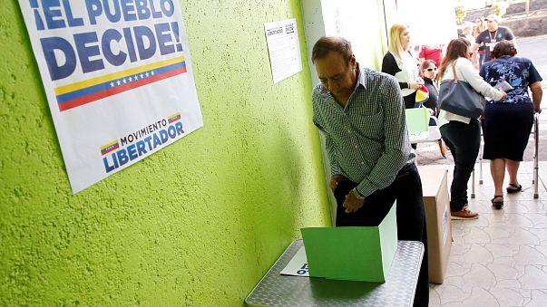 Un scrutin symbolique contre les plans de Nicolas Maduro