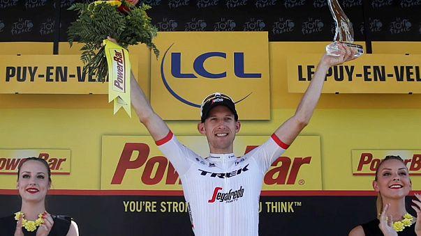 Tour de France: Bauke Mollema storms stage 15