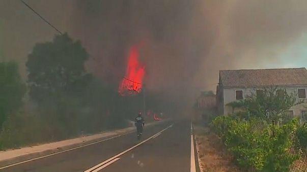 Heftige Brände in Kroatien und Italien