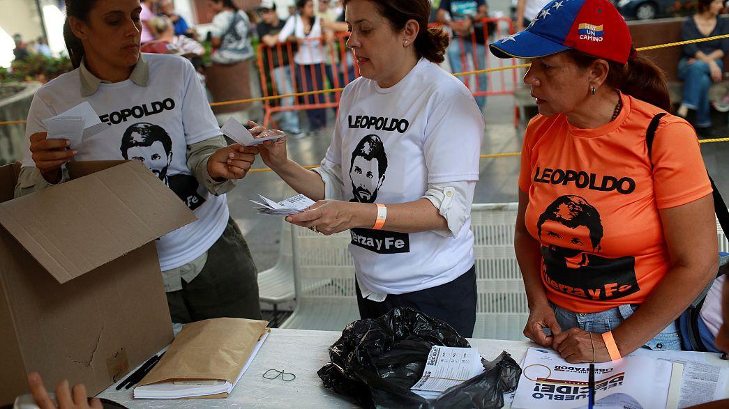 Casi 7,2 millones de votos en la consulta contra Maduro