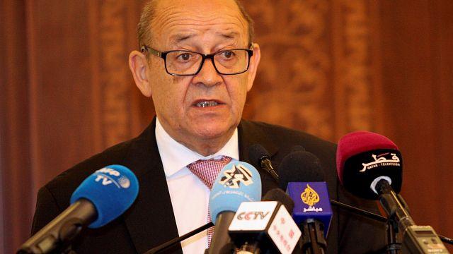 فرنسا تدعو إلى التهدئة لحل الازمة الخليجية