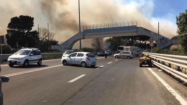 Vento e siccità: brucia l'Europa del sud