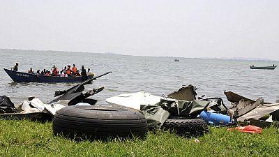 Un navire de l'armée chavire des dizaines de disparus — Cameroun