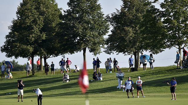 Women golfers get new dress code