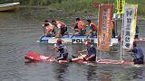 شاهد.. سباق القوارب المصنوعة يدويا في اليابان
