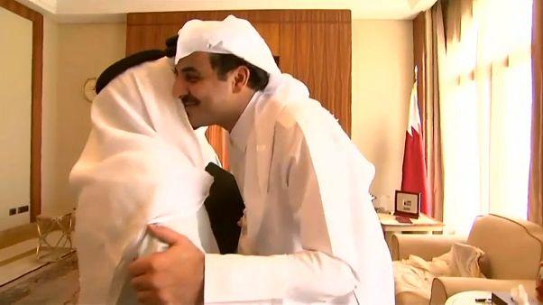 """أمير قطر يرزق بمولود جديد سماه """"محمد"""""""
