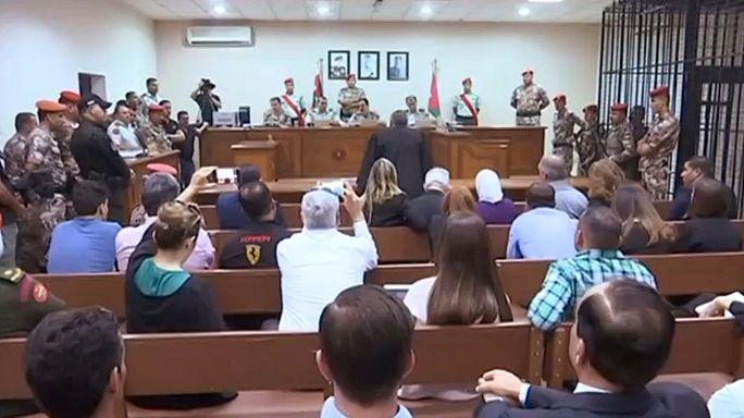 Életfogytiglanra és kényszermunkára ítéltek egy amerikaiakat megölő jordán katonát