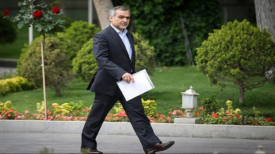 شقيق روحاني يُنقل إلى المستشفى بعد اعتقاله بتهمة فساد