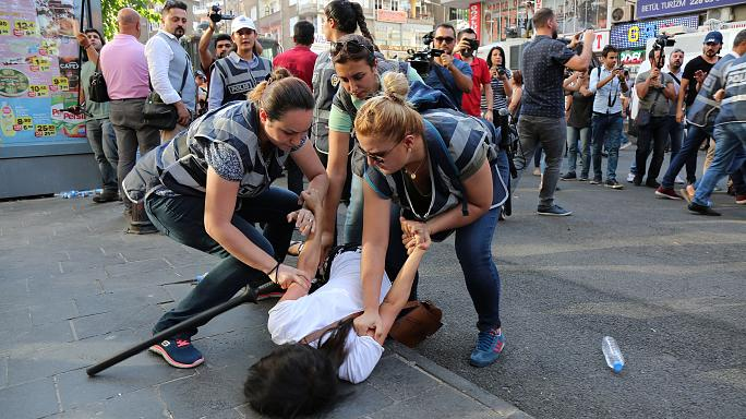 Protests as Turkey extends emergency rule