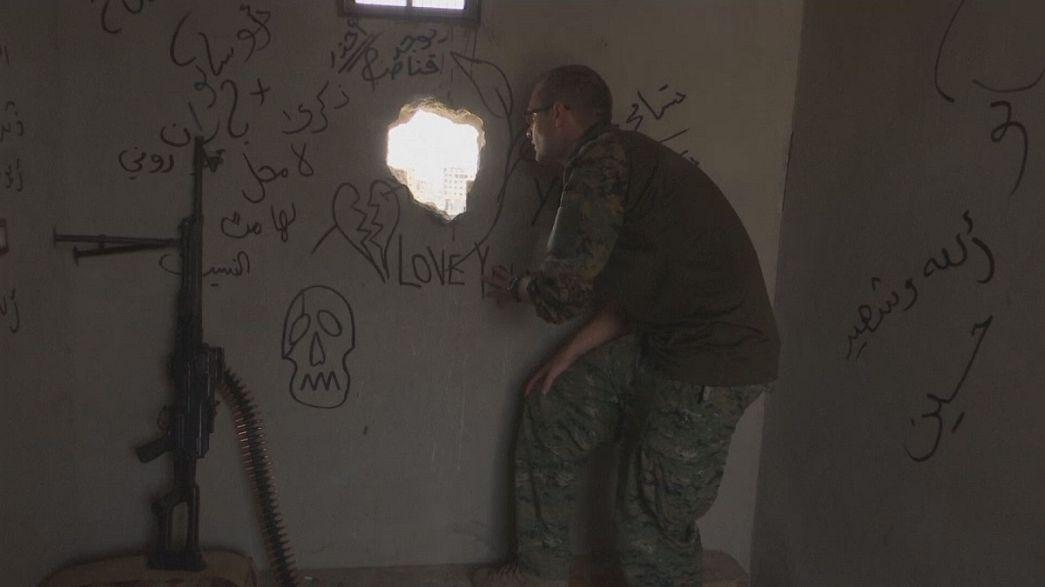 """متطوعون أجانب لمحاربة تنظيم """"الدولة الإسلامية"""" في الرقة"""