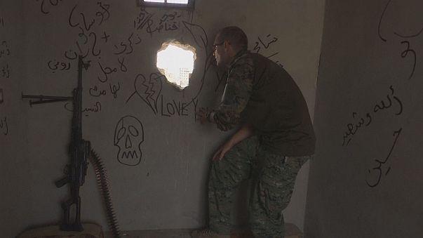 Suriye'de IŞİD'e karşı savaşan gönüllü askerler