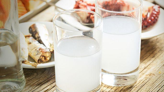 Deutsche trinken mehr Ouzo als Griechen