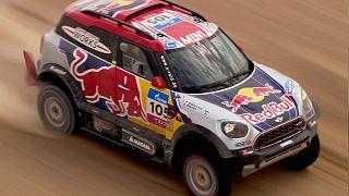 Selyemút Rally: Loeb ujját szegte