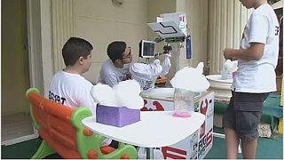 Des enfants égyptiens créent un robot de fabrication de la barbe à papa