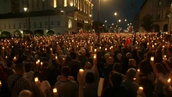 Tiltakozás után kompromisszum Lengyelországban