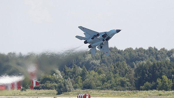 Harci repülőgépek parádéztak egy orosz légiipari szakkiállításon