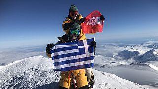 Αυτές ειναι οι πρώτες Ελληνίδες που πάτησαν την υψηλότερη κορυφή στην Αλάσκα