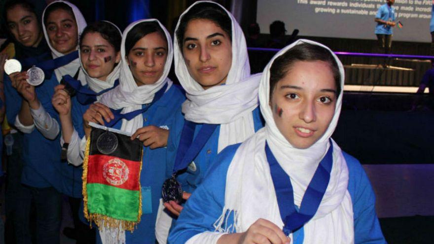 مدال نقره شجاعت برای تیم رباتیک دختران افغان