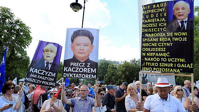 Bruselas amenaza a Polonia con suspender su derecho de veto por atacar la independencia judicial