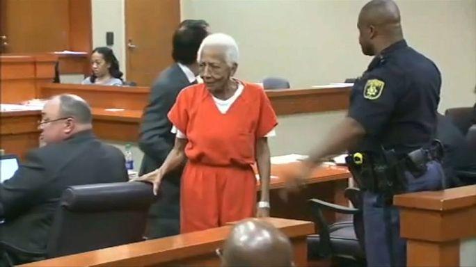 شاهد: محاكمة سيدة تبلغ 86 عاما بتهمة السرقة