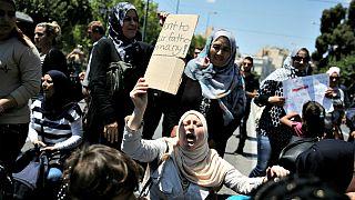 Menekültek tüntettek a német nagykövetség előtt Athénban
