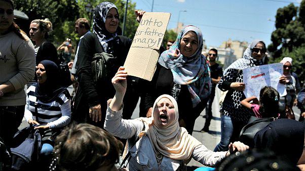 Grecia: proteste dei migranti