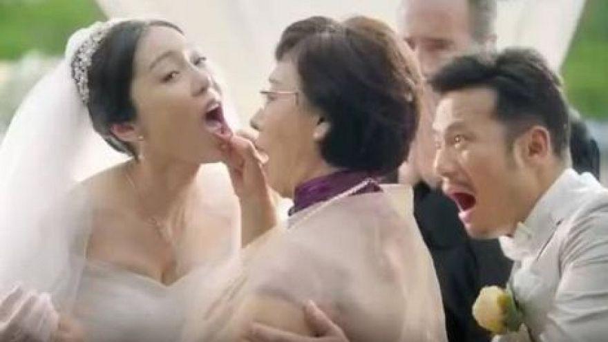 Internet-Aufschrei gegen AUDI: Schwiegermutter testet Braut - statt Auto