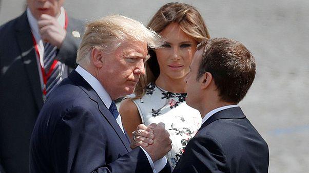 ترامپ: ماکرون شیفته نگه داشتن دستهای من است